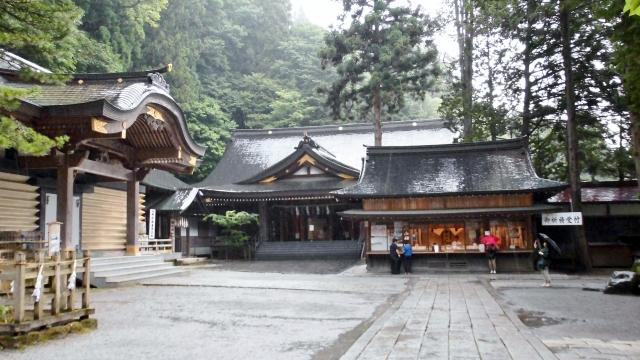諏訪大社本宮の写真